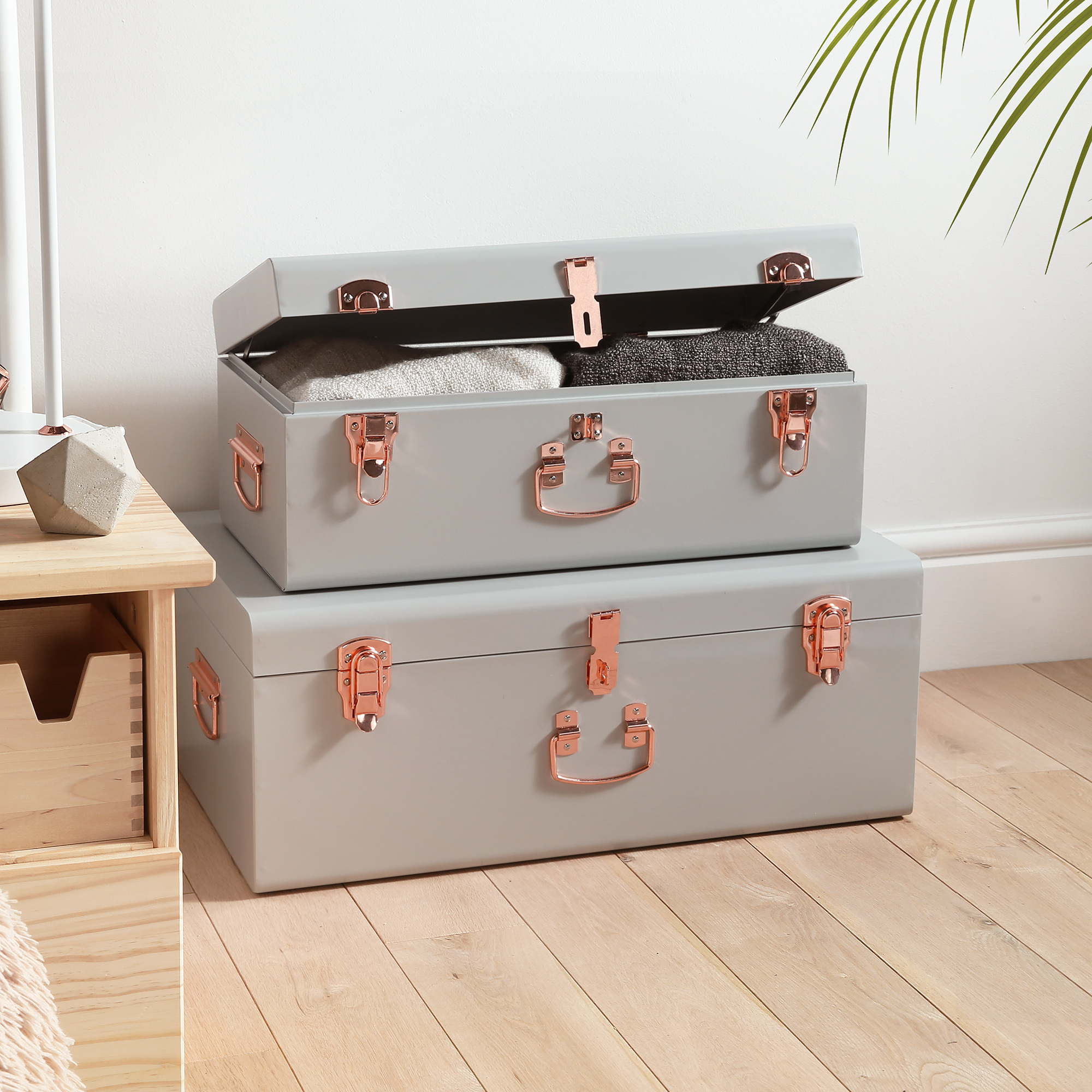 Beautify Trunks Set of 2 Grey & Rose Gold Suitcase Box Chest