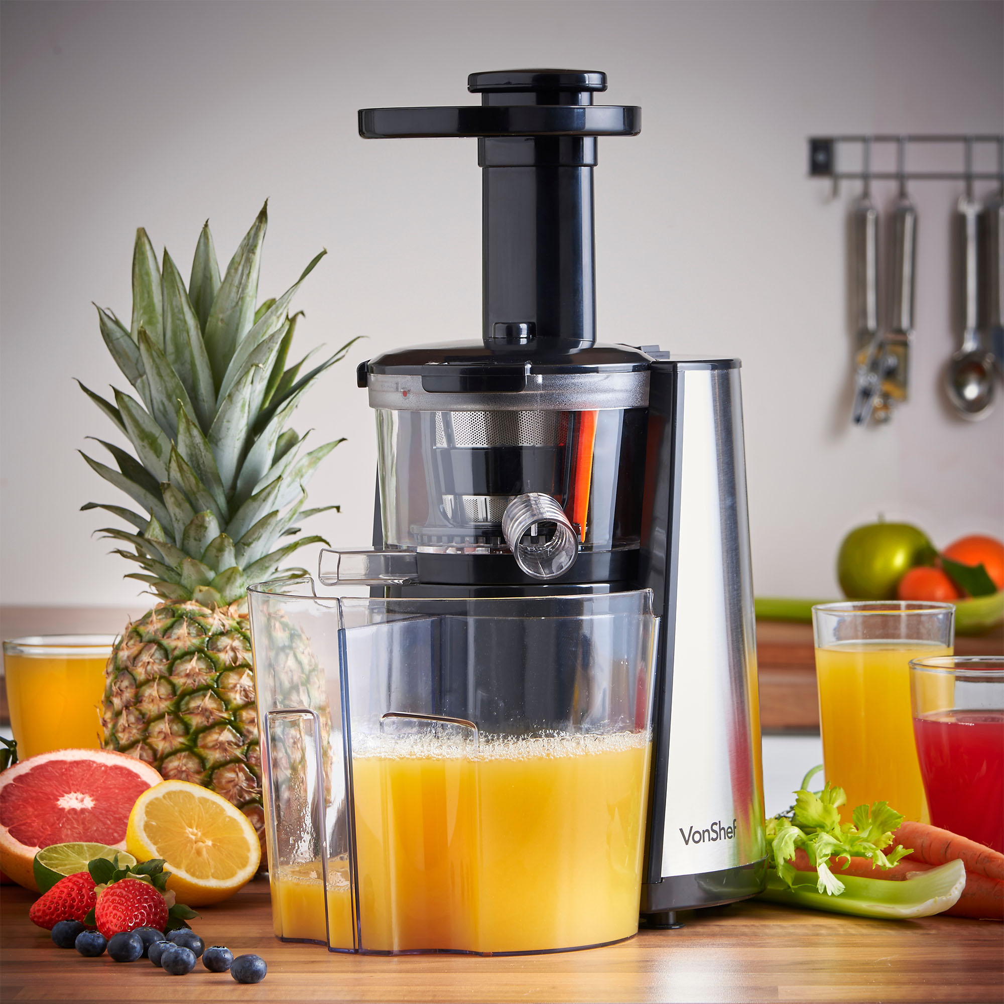 Vonshef Slow Juicer Review : vonShef 150W Electric Slow Masticating Single Auger Juicer Extractor